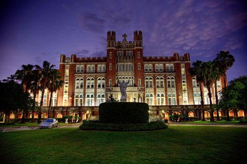 美国克拉克大学对本科/研究生/MBA托福成绩要求