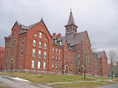 美国佛蒙特大学对本科/研究生/MBA托福成绩要求